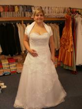 první volba svatebních šatiček, ale už jsou jiné!