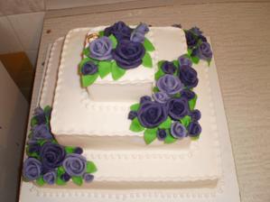 Náš svatební dort, akorát růžičky budou v jiných barvách