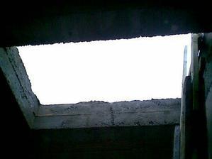 Otvor na strechu