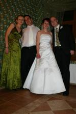 Moj svedok (sestra), manžel, ja a sestrin priateľ.