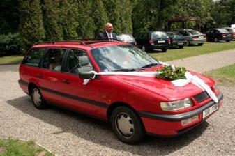 svatební auto...