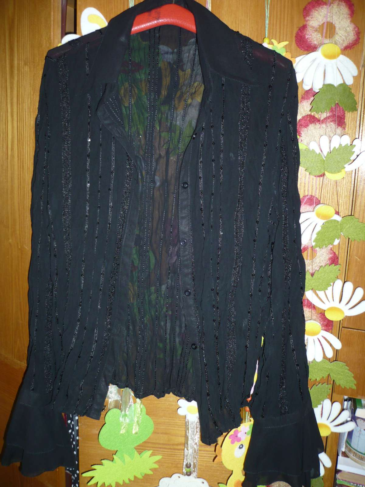 Bluzka s volanovymi rukavmi - Obrázok č. 1