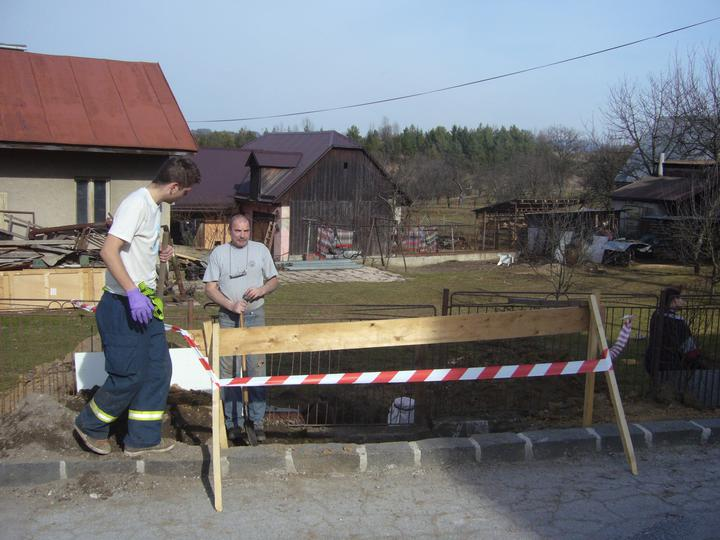 Sen sa stal skutočnosťou  :-) - označili sme vykop aby tam nespadol nejaky NOŤO