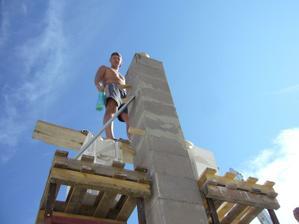 Pokračovanie v stavbe komínu