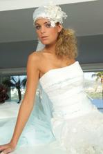 Libil by se mi nejaky podobny cepecek... Kolekce White Couture 2006