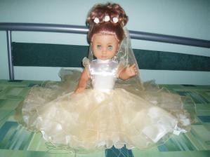 Moje panenka na auto nevěsty v šampáňo šatičkách