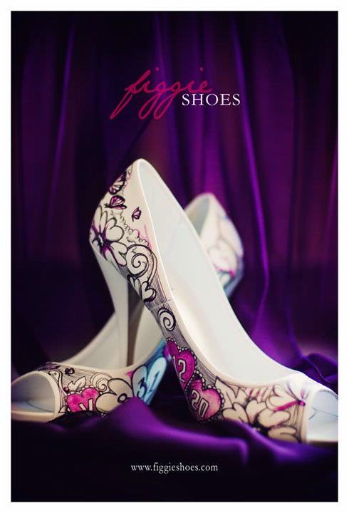 Purple Wedding Dreams..:o) - Nemusia byt kvetinky staci aj obycajny ornament len bez cisel..