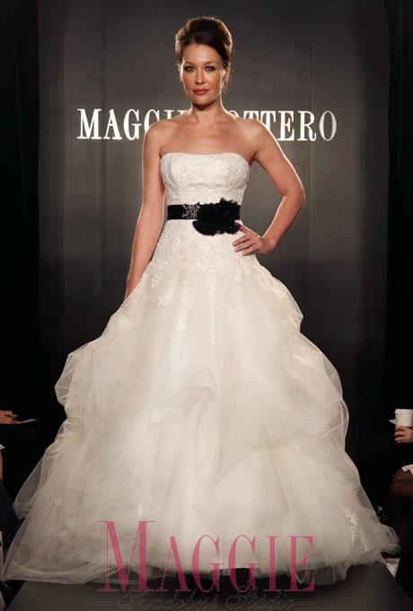Purple Wedding Dreams..:o) - Maggie sottero-celine dostupne v ke od 3/2012.. krasne!:)