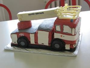 Muj syn si k narozeninam pral hasicske auto, tak jsem jeho prani splnila :-)