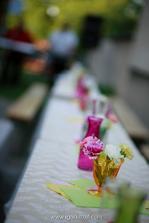 na stoly sme použili záclony z tesca...akcia 4,5€ za 3 metrovú a efekt dokonalý