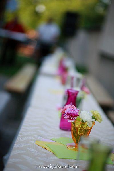 Anička{{_AND_}}Ferko - na stoly sme použili záclony z tesca...akcia 4,5€ za 3 metrovú a efekt dokonalý