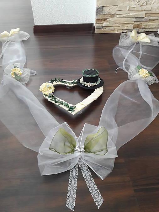 Svadobné AUTO - Greenery + jemna kremovo maslová