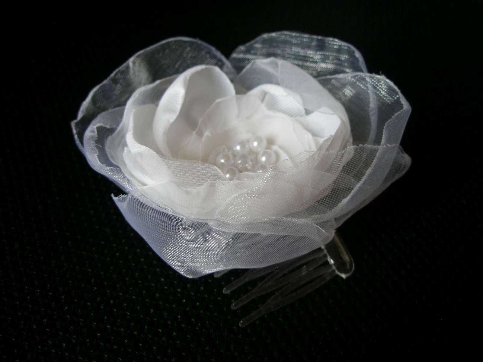 Veľký biely kvet do vlasov - Obrázok č. 1
