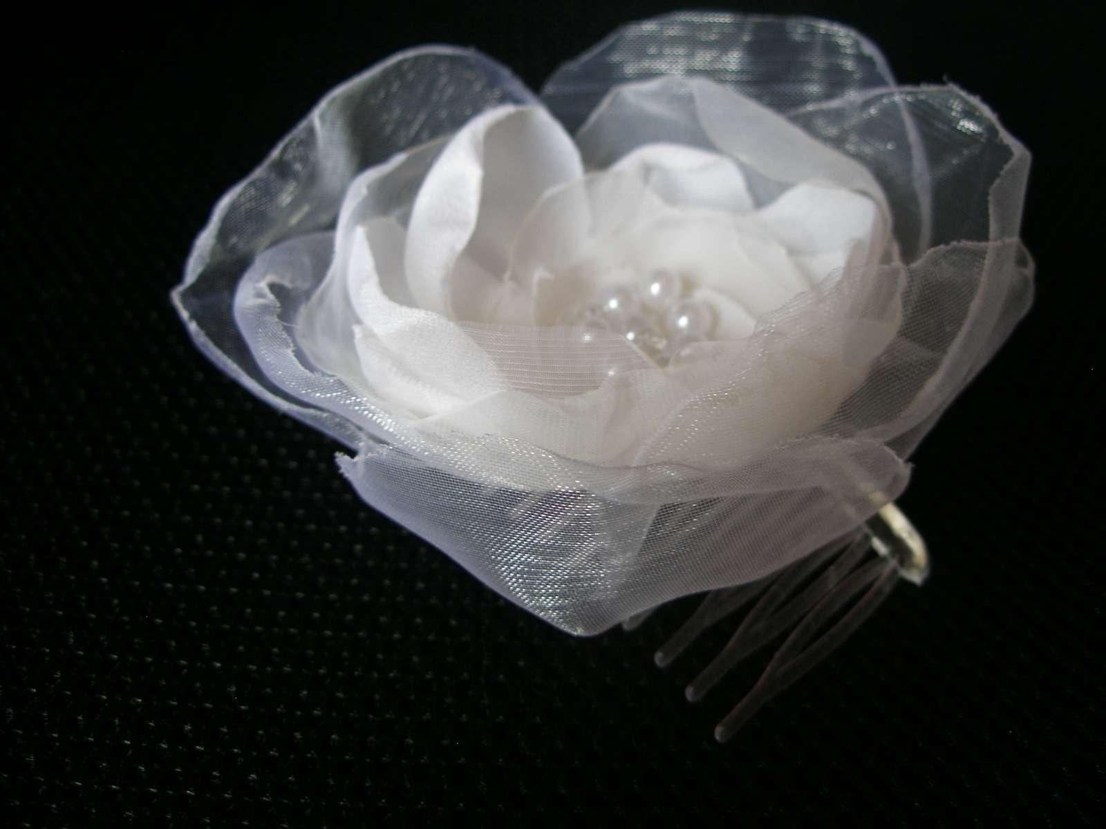 Veľký biely kvet do vlasov - Obrázok č. 2