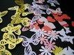 Papierové dekorácie - motýle, kvietky, srdiečka,