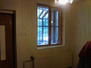 okno ešte nebolo rozhodnuté že na akú farbu nakoniec biele