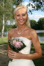 šťastná nevěsta, nebo už paní?