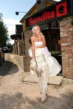 přenášení z auta do restaurace :)