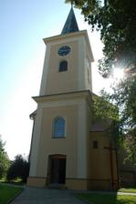 """náš"" kostel z venku"