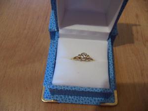 Dostala jsem nádherný prstýnek s pravým briliantem