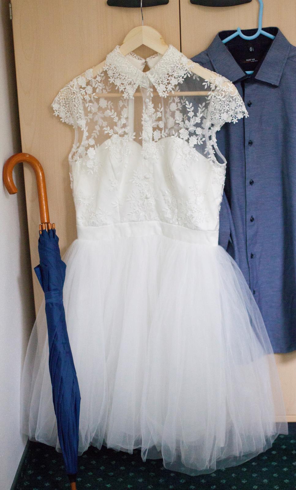 Krajkové šaty s tylovou sukní - Obrázek č. 2