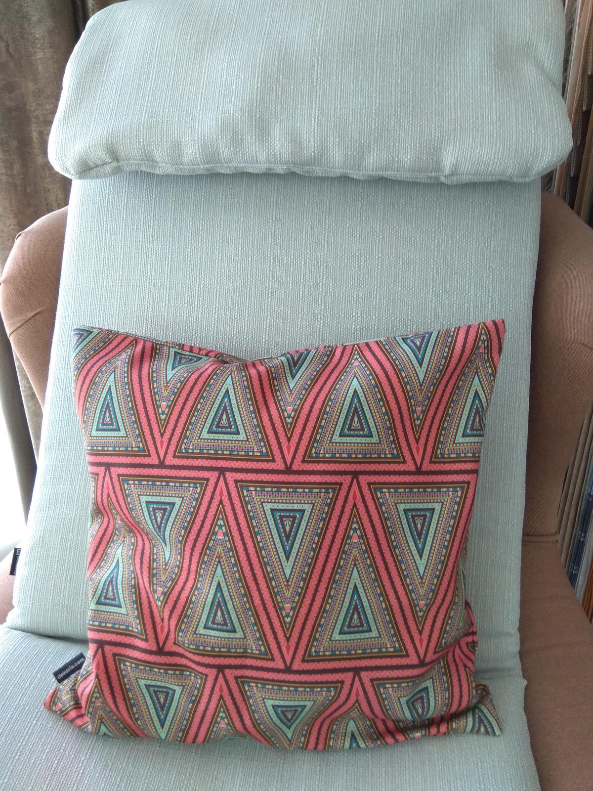 Keď sa skombinuje stálica v našich kolekciách kolekcia Granada a nová tkanina z kolekcie Comics❤️ - Obrázok č. 1