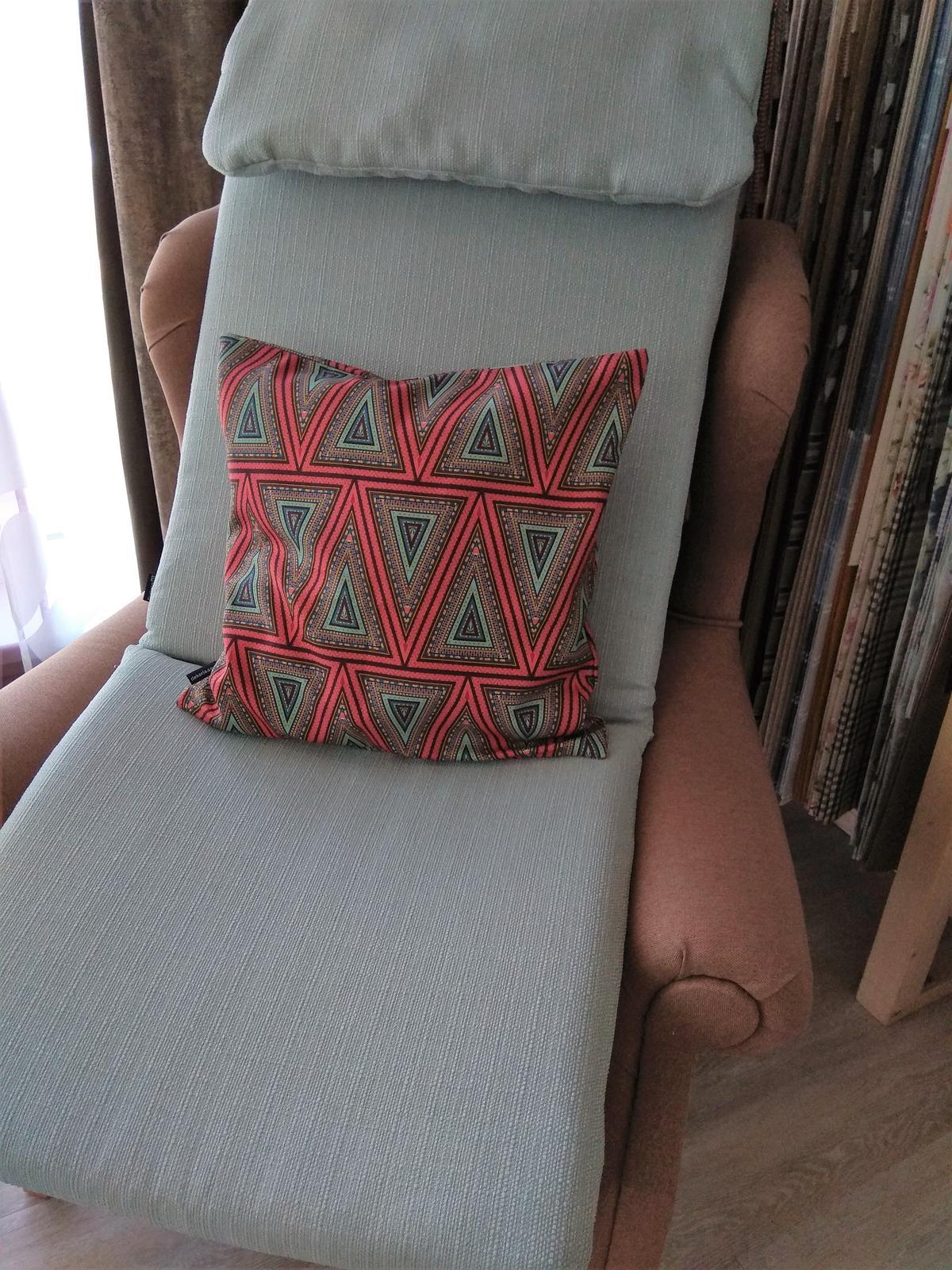 Keď sa skombinuje stálica v našich kolekciách kolekcia Granada a nová tkanina z kolekcie Comics❤️ - Obrázok č. 2