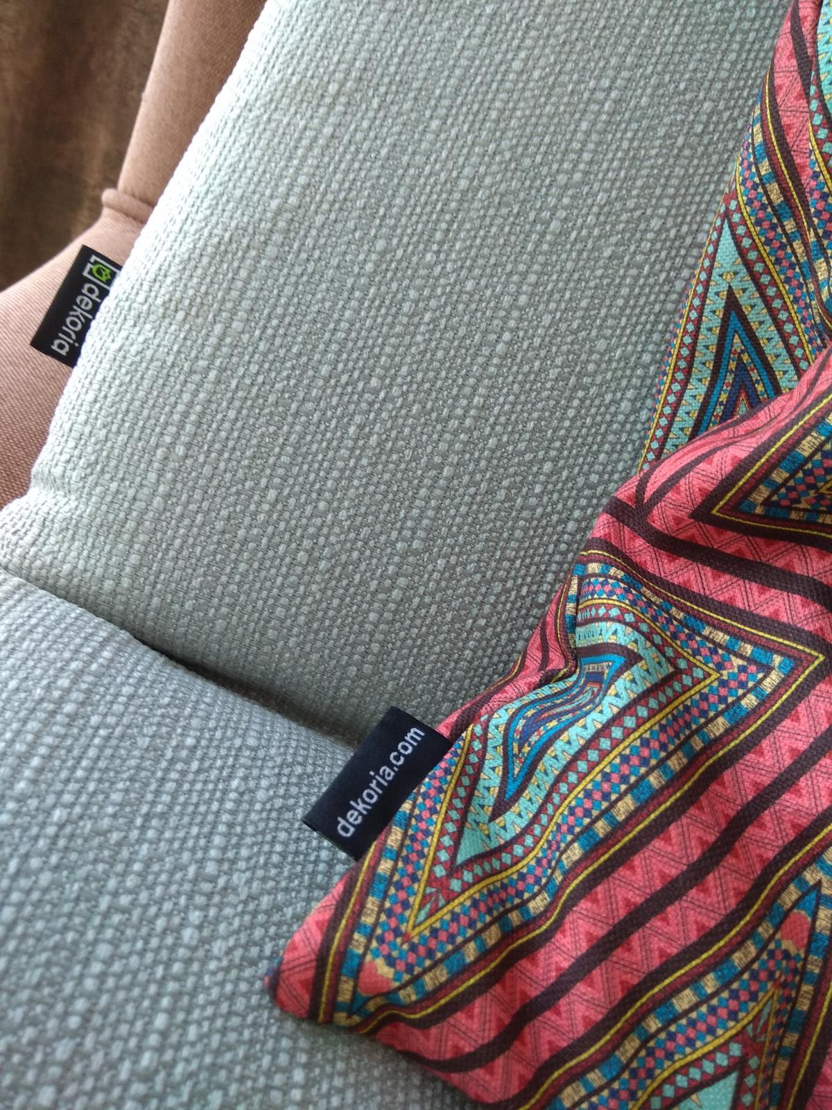 Keď sa skombinuje stálica v našich kolekciách kolekcia Granada a nová tkanina z kolekcie Comics❤️ - Obrázok č. 3