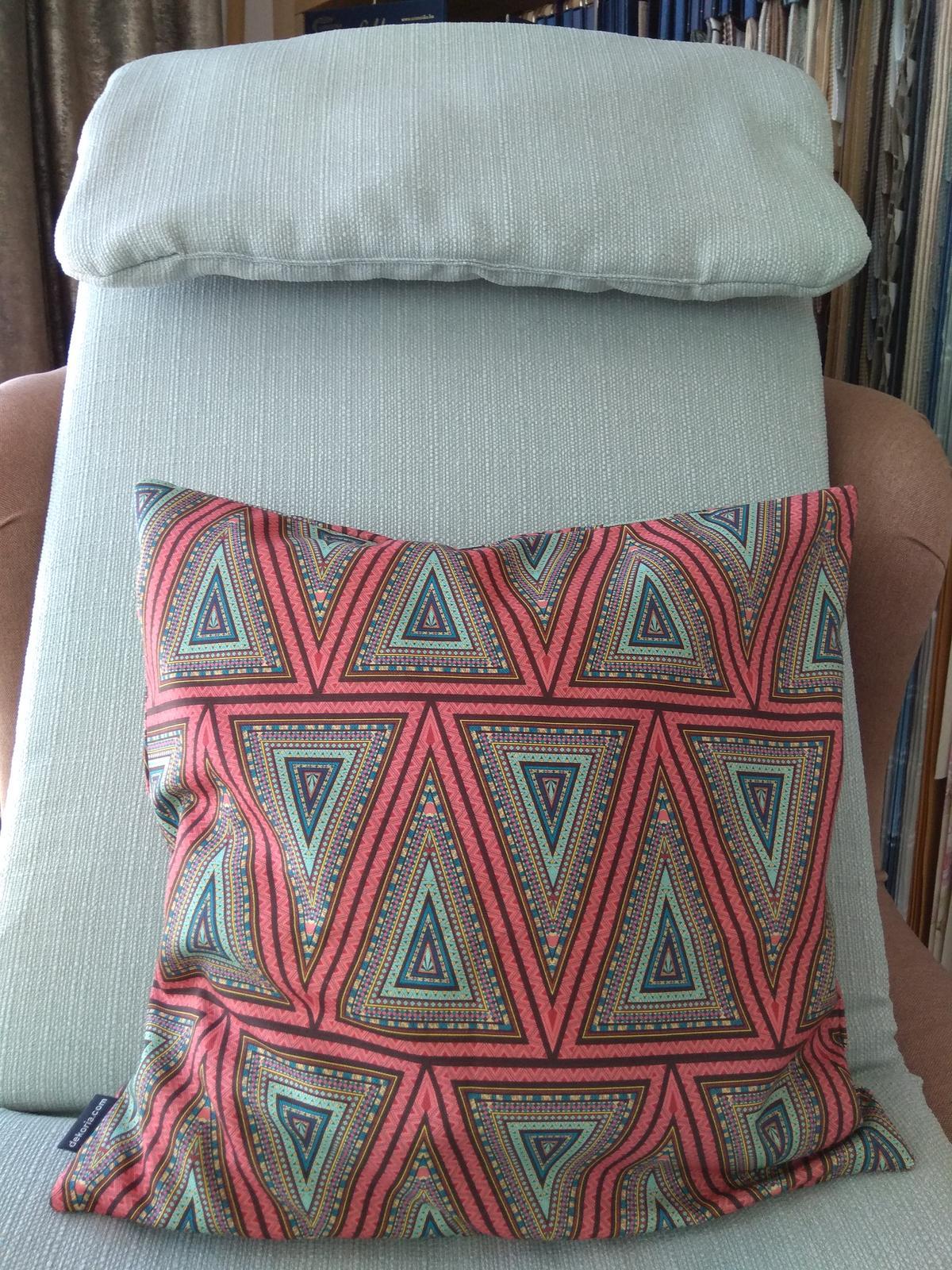 Keď sa skombinuje stálica v našich kolekciách kolekcia Granada a nová tkanina z kolekcie Comics❤️ - Obrázok č. 5