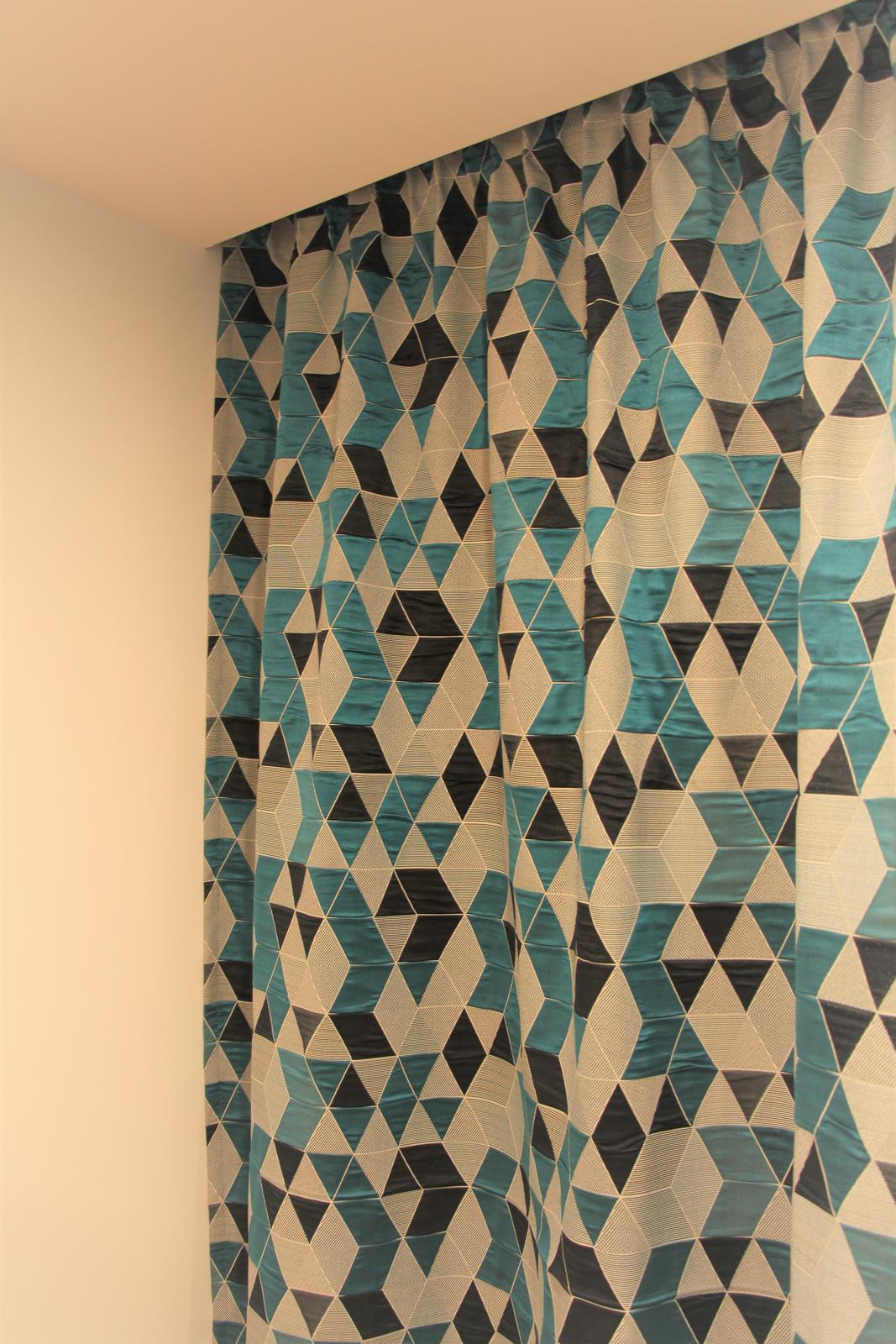 Moderné závesy s geometrickým vzorom - Obrázek č. 1