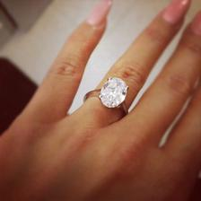 Začalo sa takýmto podobným prsteňom na moje 19.narodeninky..