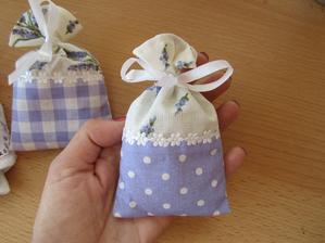 Vrecká s levandulou ako darčeky pre hostí :)