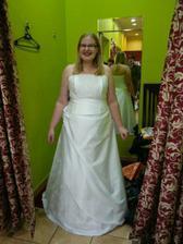 Moje svatební šatičky... už jsou doma!