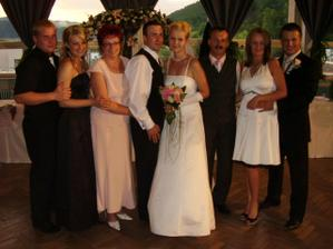 rodina ženícha