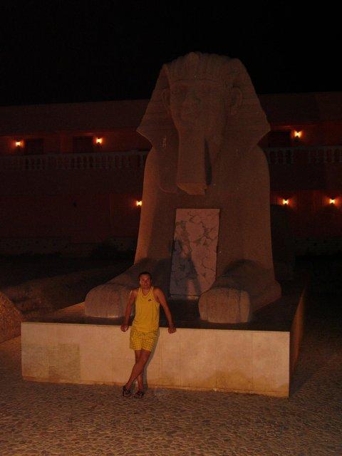 Mária Stašiková{{_AND_}}Miroslav Berthóty - táto Sfinga bola v areáli nášho hotela