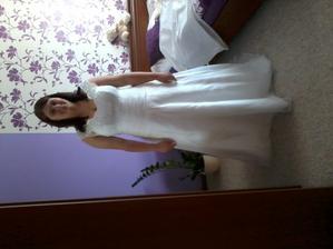 moje svatební šaty, zatím bez spodničky