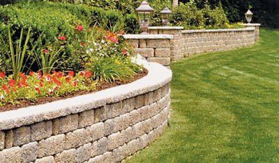 Naše plány se zahradou - Vzhledem k vyvysenemu pozemku souseda planujeme neco velmi podobneho.