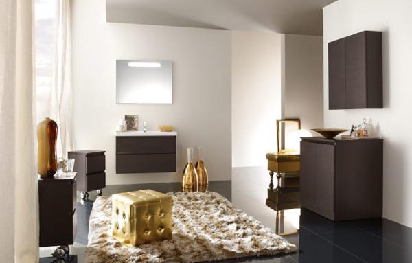 Zlatá v interiéru - Tuto barevnou kombinaci budeme mít v ložnici - tmavá podlaha, tmavý nábytek a zlaté doplňky - ještě kdyby se mi někde podařilo sehnat zlatou kostku z obrázku:-)