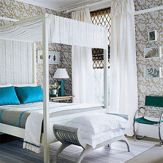 Zlatá v interiéru - Netradiční kombinace, vypadá to úžasně - ale na to nemám odvahu.