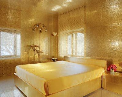 Zlatá v interiéru - Dolce Gabbana bedroom