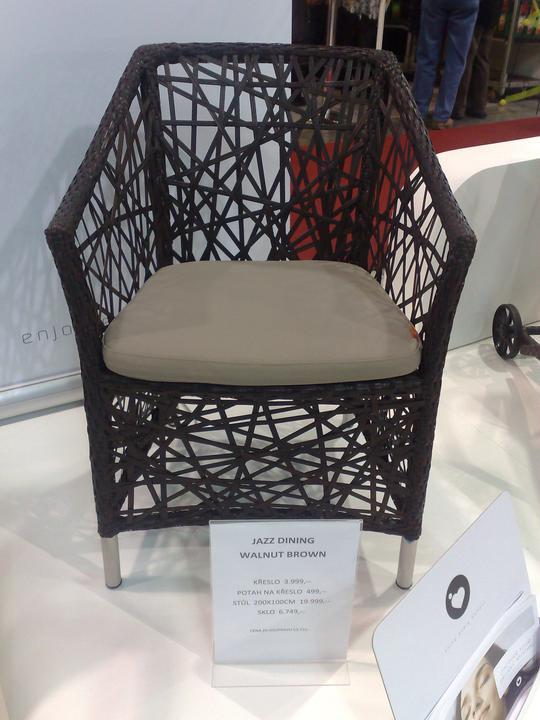 Zahradní nábytek - židle Organic Jazz ve skutečnosti na výstavě