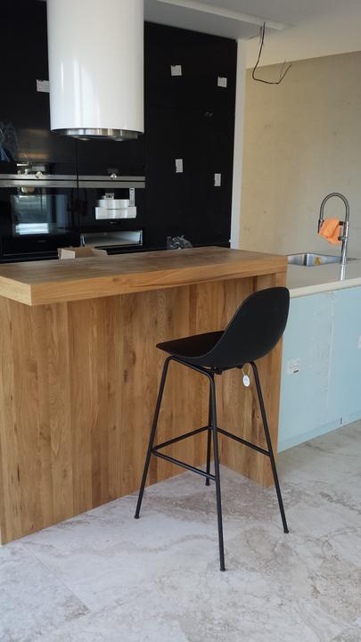 Vie niekto poradit podobnu barovu stolicku ale celu v bielej farbe (sedak  aj nohy). Toto je od Tooudesign ale neviem sa u nich dopracovat k bielej  napriek ... 21bc2fc4368