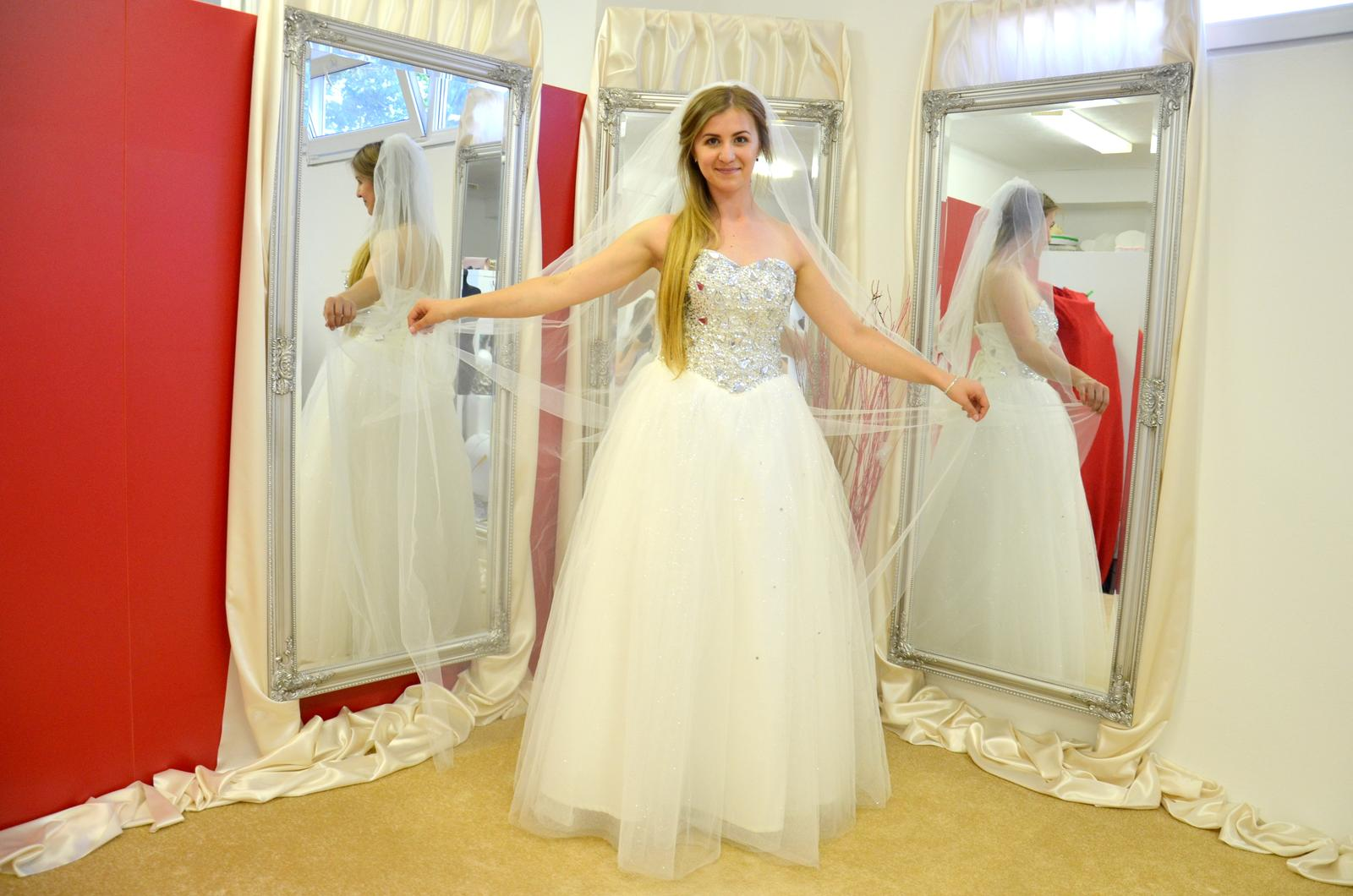 Krásne svadobné šaty 120€!!!! - Obrázok č. 3