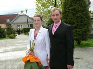 my dvaja na svadbe nasich kamosov