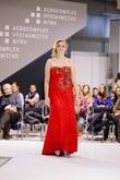 Luxusné červené čipkované večerné šaty s vlečkou zdobené kvetmi - http://salonevamaria.sk/index.php?id_product=1651&controller=product