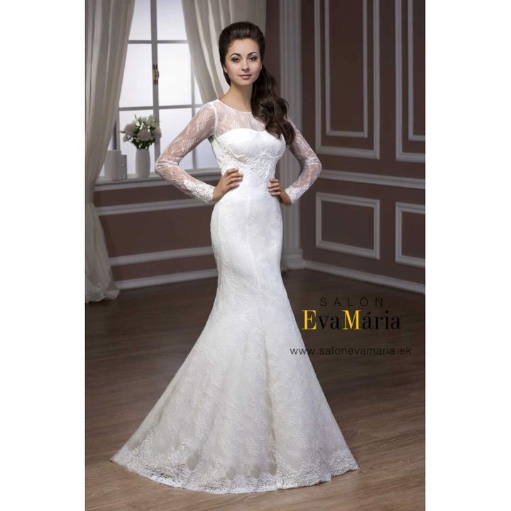 970ed4e9166b Čipkované svadobné šaty s dlhým rukávom -