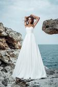 Jednoduché decentné  korzetové svadobné šaty , 36