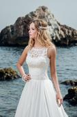 Luxusné svadobné šaty so saténovou sukňou , 34