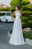 Nádherné svadobné šaty so saténovou sukňou , 34