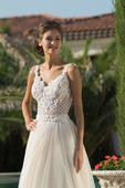 Elegantné svadobné šaty s prepracovaným živôtikom, 38